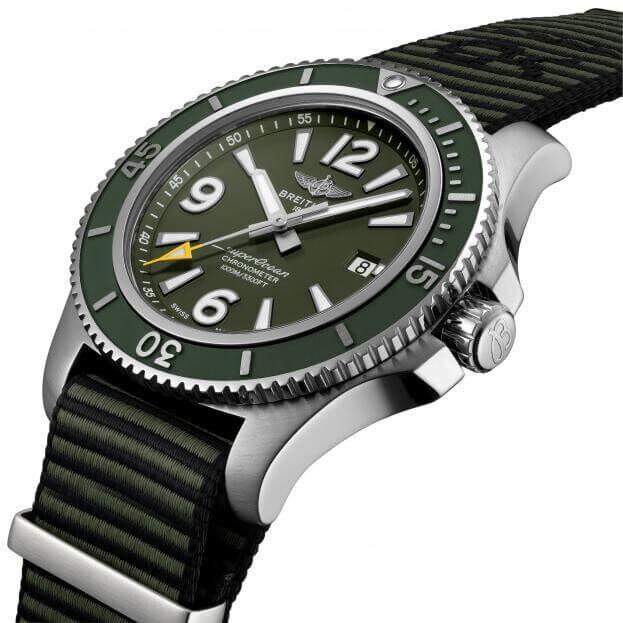BREITLING Superocean Automatic Outerknown 44mm Πράσινο Καντράν Ανδρικό Ρολόι